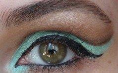 Идея макияжа в мятно-коричневых тонах