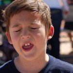 Почему ребенок начинает заикаться?
