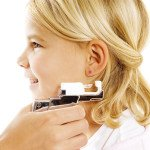 Когда прокалывать уши ребенку?